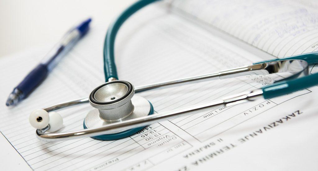 Stetoscope et dossier médical