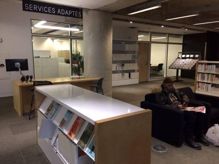 Les services adaptés au rez-de-chaussé de la Grande-Bibliothèque