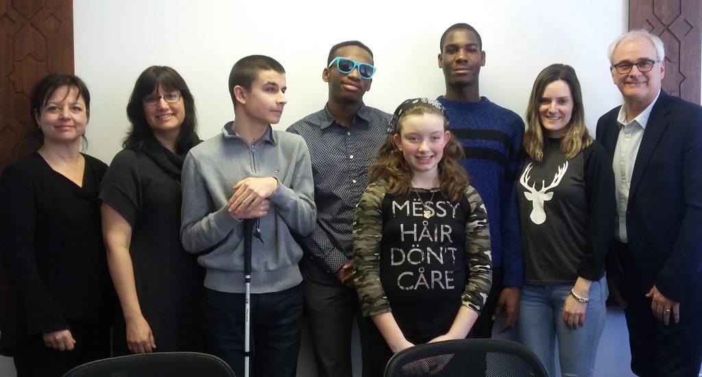Photo de groupe de tous les participants et des animateurs.