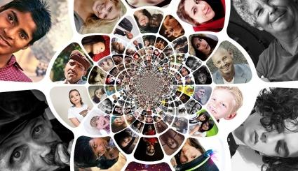 On voit des visages illustrant la diversité culturelle et ethnique a travers un kaléidoscope.