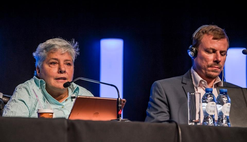 Isabelle Ducharme fait une présentation au Sommet destination pour tous.