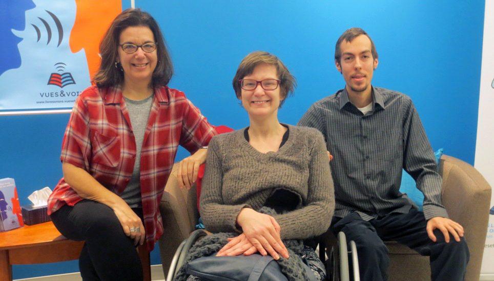 Hélène Denis, Marie-Hélène Denis (en fauteuil roulant) et Nicolas Corbin.