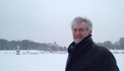 François Barruel dans un parc en hiver
