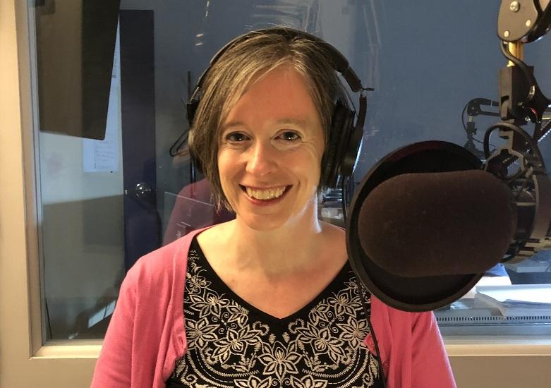 Melissa Holland, de la fondation Docteur Clown, dans le studio de Canal M