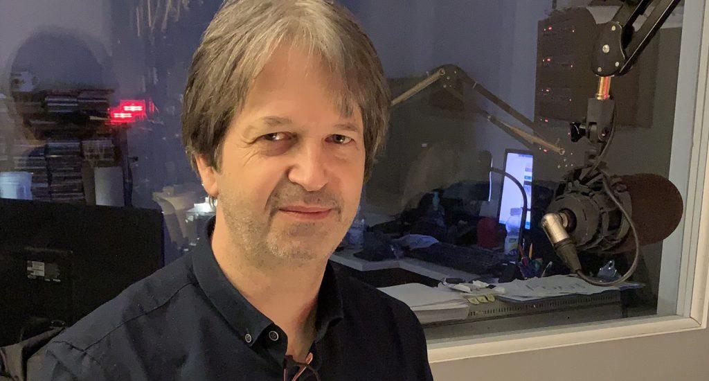 Photo du Dr Pierre David, en studio